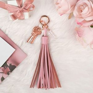 Leather Tassel Lightning Charging Cable - Rosa NWT